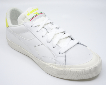 Diadora Melody Leather Dirty - 90,00 € - wit/geel 37/37.5/38/395/39/40/41